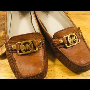 MICHAEL KORS /size 7 shoes /medium